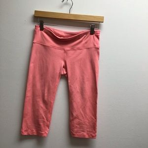 Gap small peach crop athletic leggings